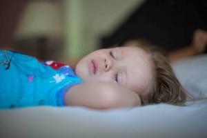 Masser af søvn bidrager til en dejlig familiejul