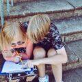 hjemmearbejde og hjemmeskole - lad børnene hjælpe hinanden